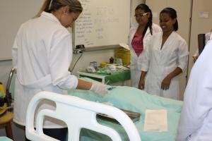 laboratorio-de-habilidades-e-simulacao-do-cuidado-631CBAD1C-11A0-4DFA-A20B-2E3B882C1CFB.jpg